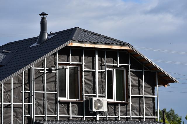 Est-il préférable d'isoler le plafond ou le toit ?